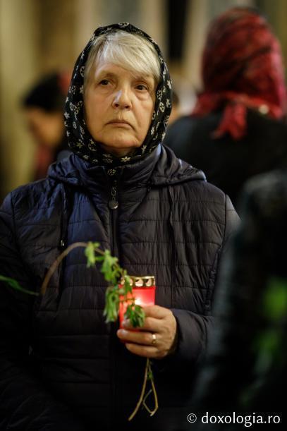 Chipuri în rugăciune / Foto: Oana Nechifor