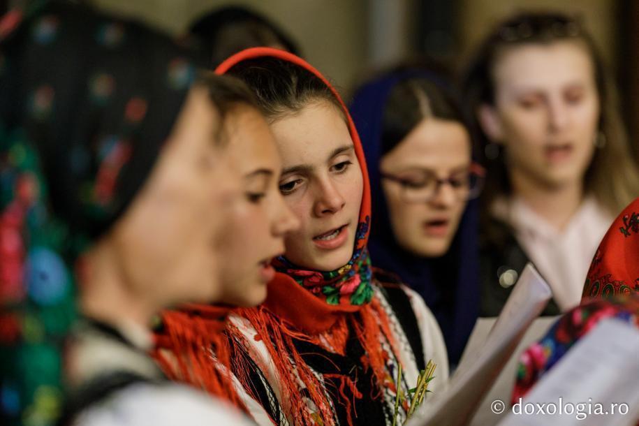 Grupul de copii au cântat colinde de Florii / Foto: Oana Nechifor